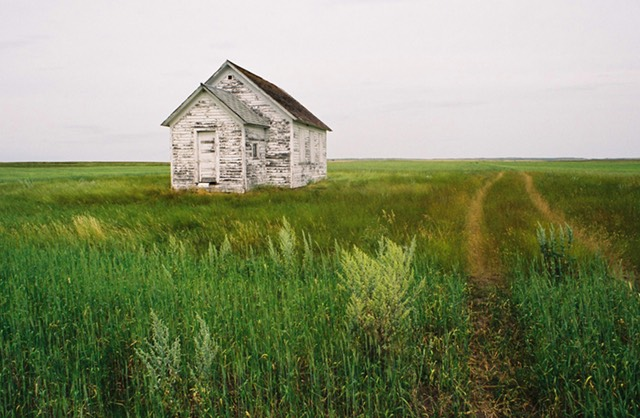 Plains house and tracks north dakota american road for Old school house tracks